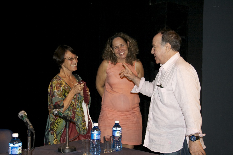 From left to right:Hortensia Montero, curadora del Museo Nacional de Bellas Artes de La Habana; Ana Cristina Perera, Directora del Museo Nacional de Bellas Artes de La Habana y Fabelo